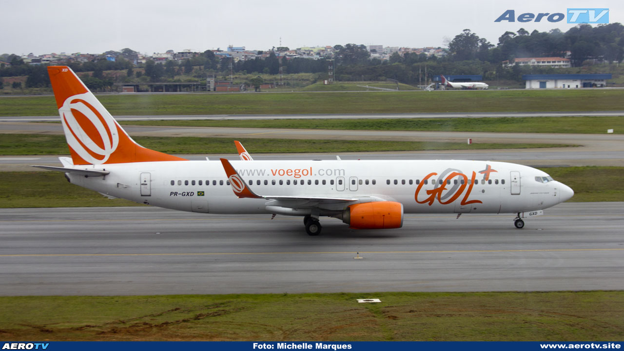 AeroTV - GOL Boeing 737 8EH(WL) matrícula PR GXD em GRU