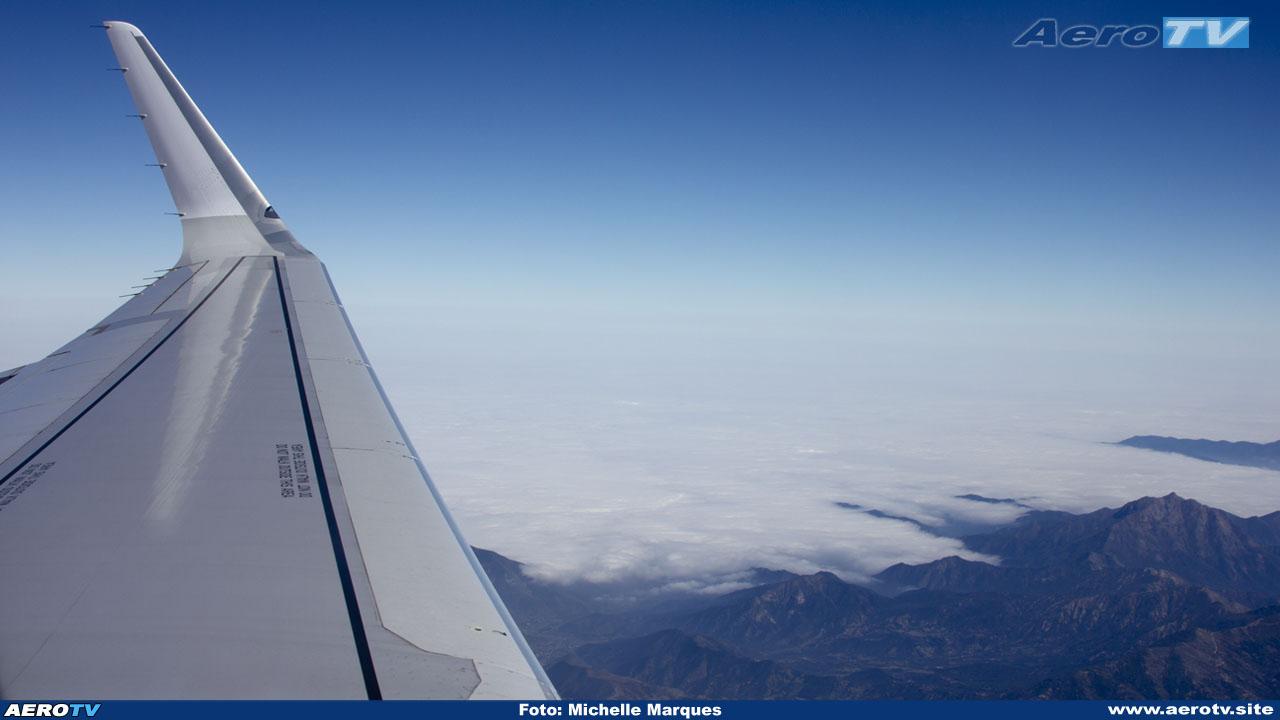 AeroTV - Airbus A321 211 da LAN Chile Airlines CC BEF