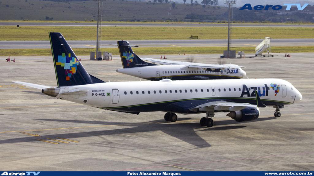 AeroTV - Embraer ERJ-195 matrícula PR-AUD da Azul
