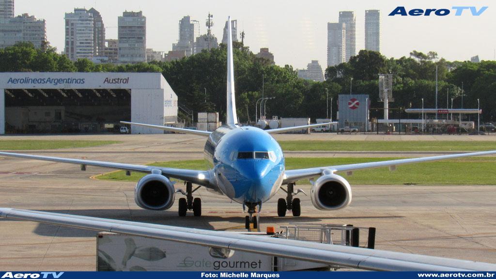 AeroTV - Boeing 737 matrícula LV GUC da Aerolineas Argentinas no Aeroparque