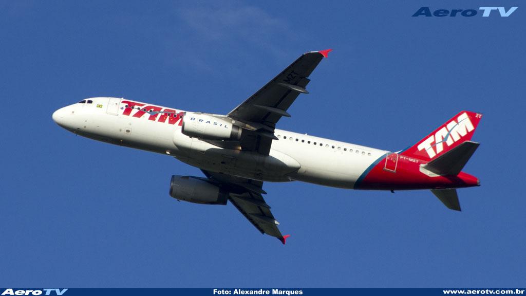 AeroTV - Airbus A320 matrícula PT MZT da Tam