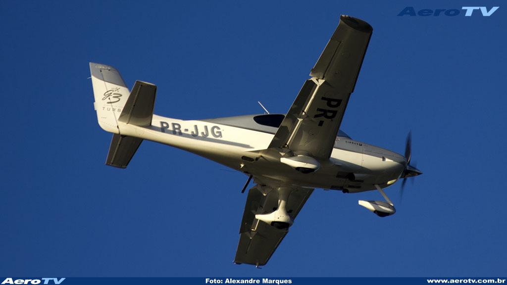 AeroTV - Cirrus SR22 matrícula PR JJG