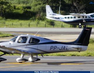 AeroTv - Cirrus SR22 matrícula PP JAL