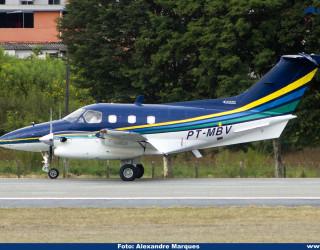 AeroTv - Embraer EMB-121 Xingú PT-MBV
