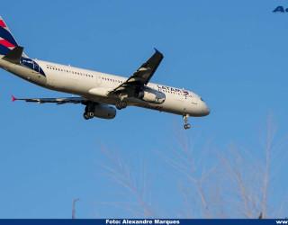 AeroTv - Airbus A321 da Latam PT MXE