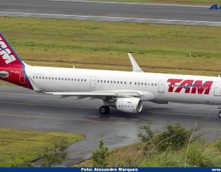 AeroTv - Airbus A321 PT-XPN da Latam Brasil