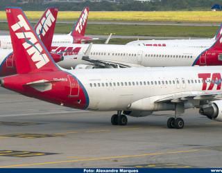 AeroTv - Airbus A320 da Latam PR-MHA